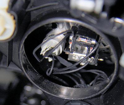 Hoe vervang je de H4-lampjes in de Punto-koplampunit | PUNTOnieuws
